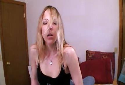 Si è seduta sulla faccia di suo marito