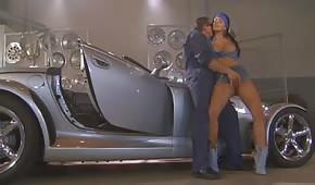 Il sesso in auto officina