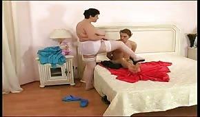 L'infermiera è venuta ad esaminare il malato
