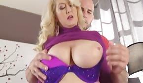 Ha trombato la sexy mammina