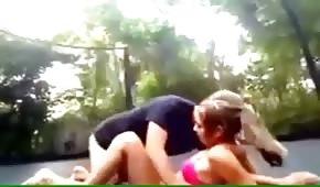 Sesso amatoriale sul trampolino