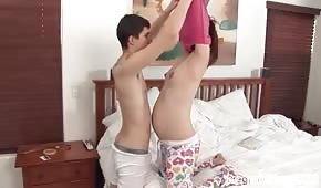 Divertimento mattutino con una partner incinta