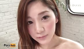 La dolce ragazza giapponese vuole fare sesso