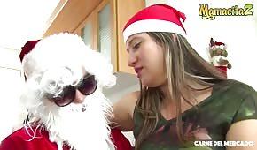 Sesso natalizio con una bionda latina