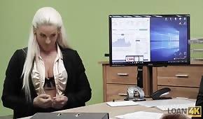 Sesso durante un colloquio di lavoro
